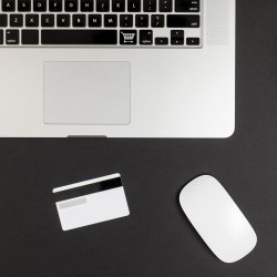 top_view_of_laptop_with_mouse_and_credit_card9